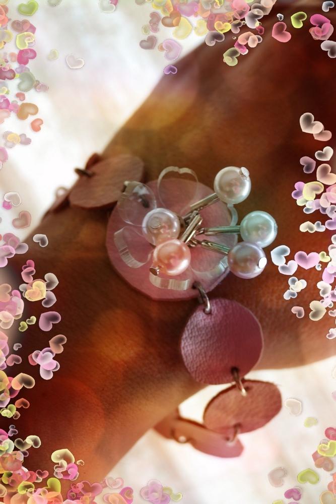 Un coeur rose comme le cuir de la peau...