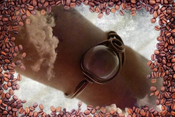 Grain de café laisse une saveur parfumée au bras