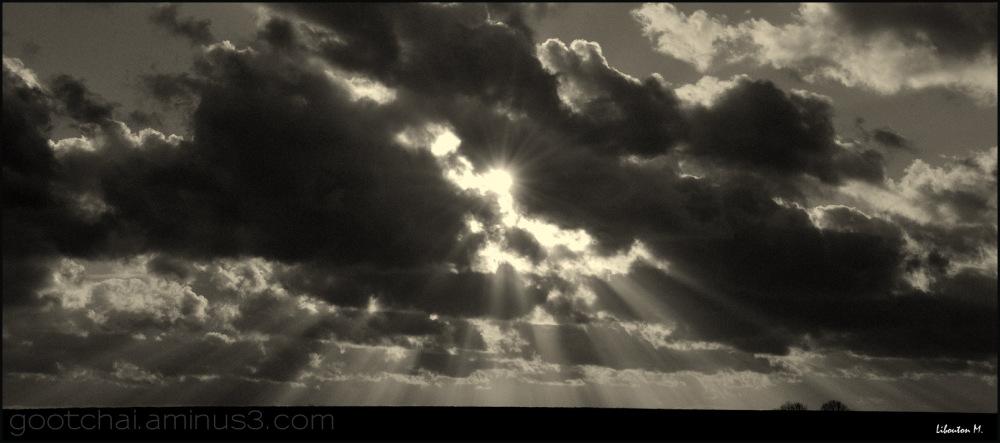 Les rayons de la lumière divine.