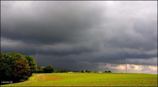 Ambiance orageuse.