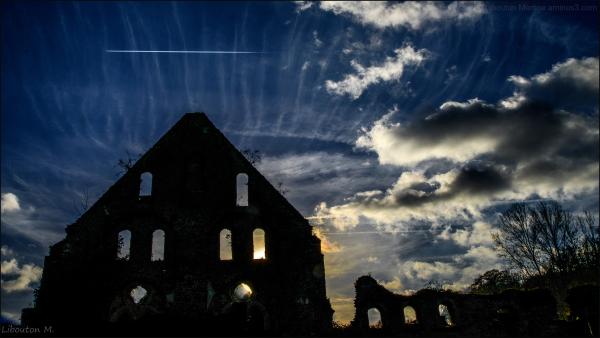 Ruines : Fantômes d'un passé révolu