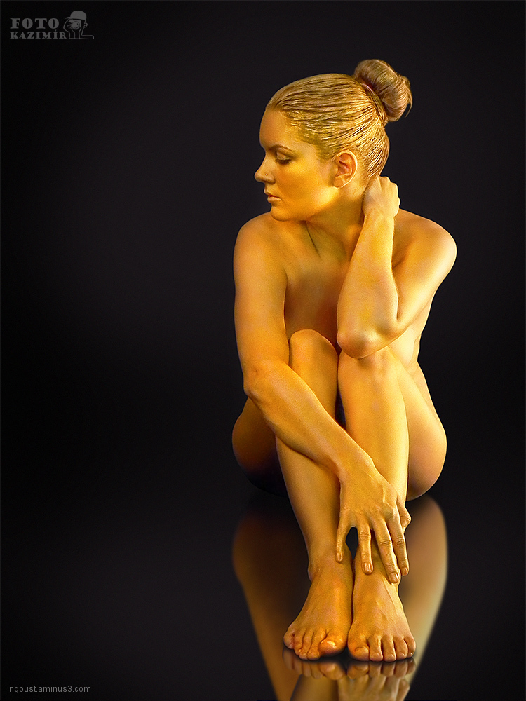 Golden bodypainting 07
