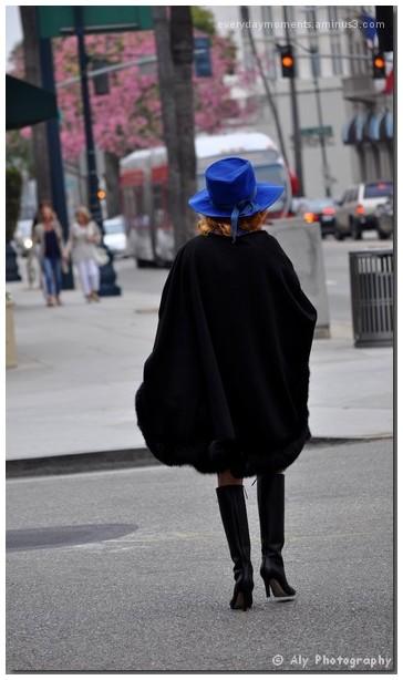 Nikon D5000, blue hat, L.A.