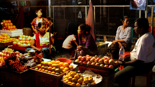 Marché de nuit (Yangoun, Myanmar)