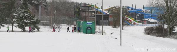 Hiihtäjiä, cross-country skiers