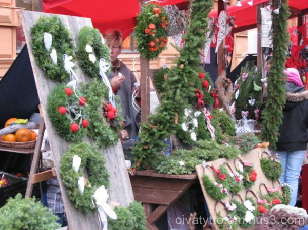 Christmas Door Wreaths!