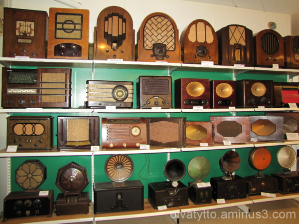 Just a few old radio!