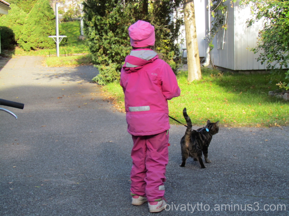 Leevi and Venla outdoor exercise in!