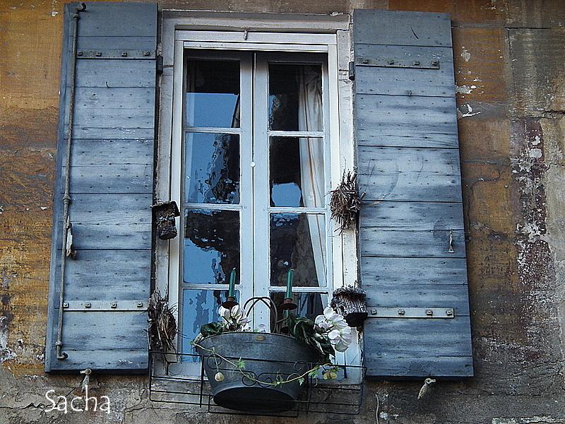 Fen tre sur rue st r my de provence documentary street for Fenetre sur rue hugo