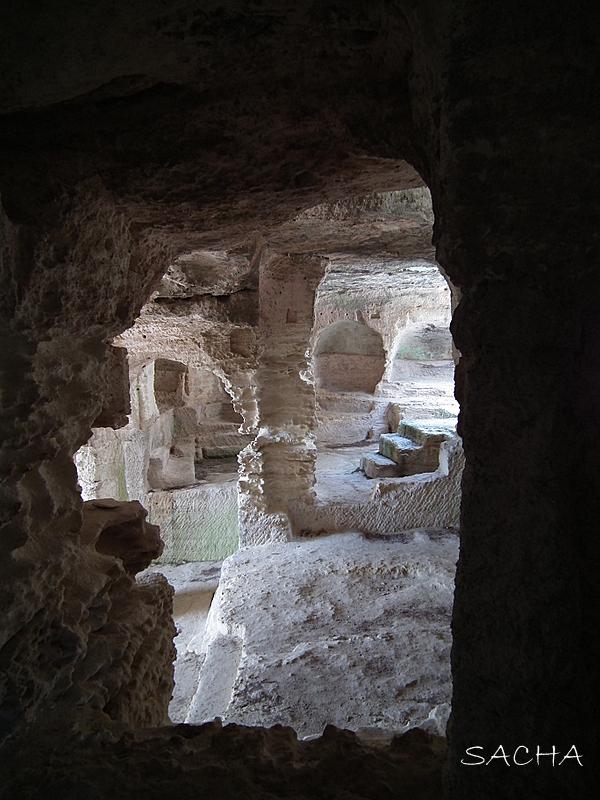 Chapelle Abbaye Troglodytique de St Roman