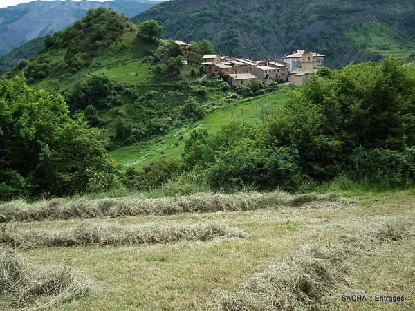Village d'Entrages