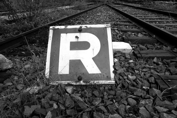 rails noir-blanc lettre abécédaire paris graphisme