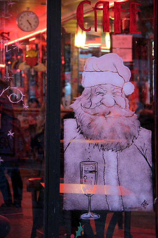 Paris devanture vitrine café