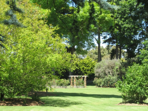 view of the Coolart, Somers gardens