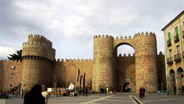 Entrance to the city of Avila (Spain)
