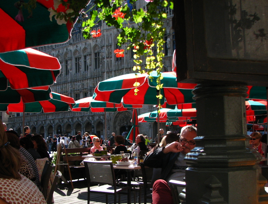 a snack in the environment grote markt