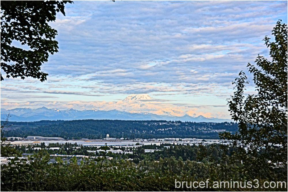 Mt Rainier overlooks the Kent Valley