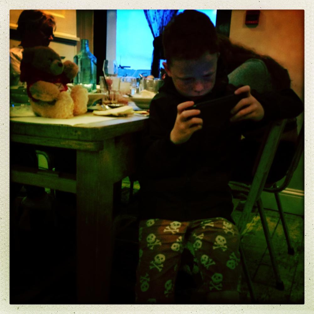 restaurant video game boy