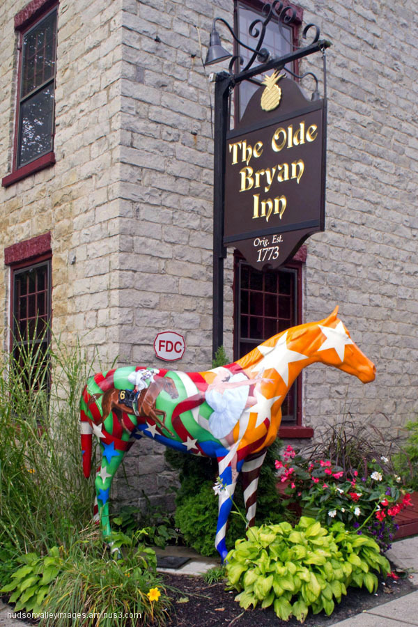 Bryan Inn Horse Statue