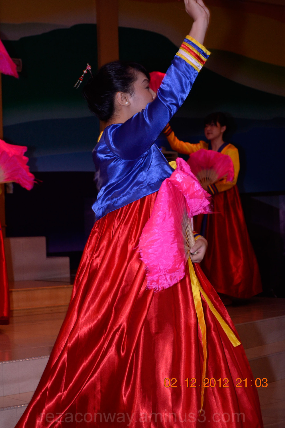colourfull dancer
