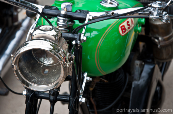 Vintage BSA bike at Chennai rally