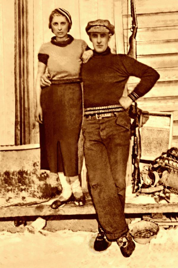 Mary Morris & Carl Mitchell as Bonnie & Clyde