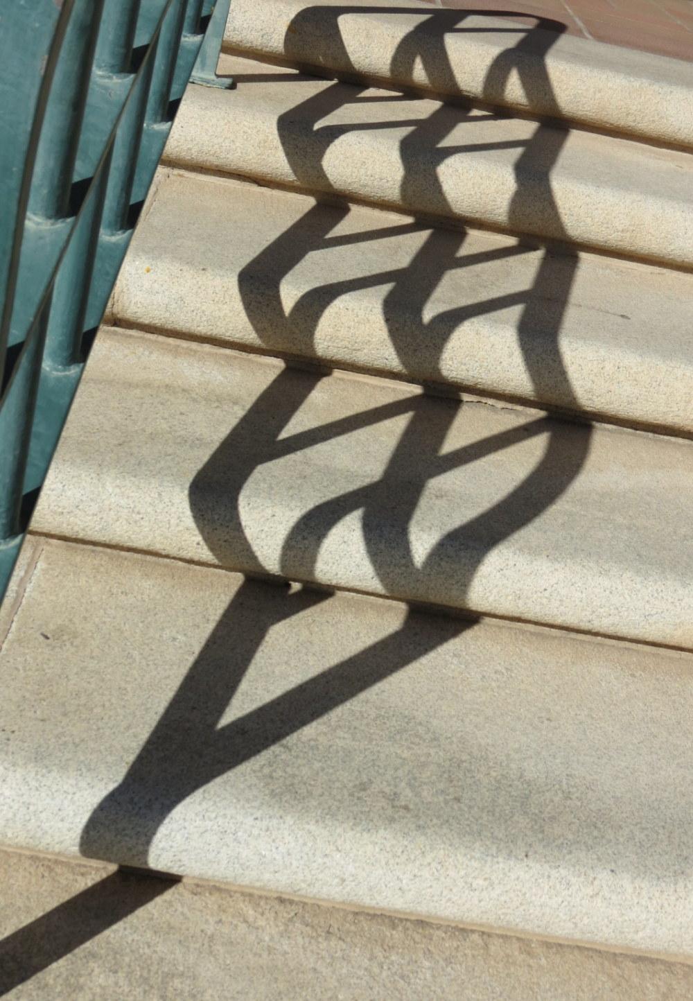 escalier en dentelle   -  stair laces
