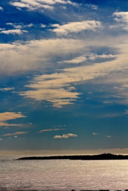 le Long des Golfes Clairs a des Reflets d'Argent.