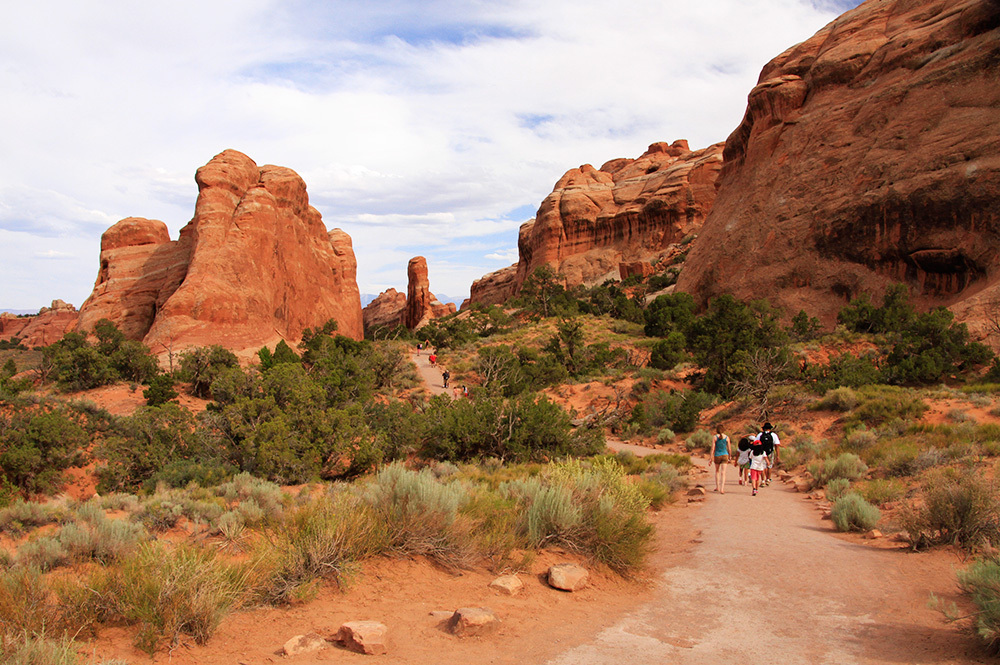 hikers on Devil's Garden Trail
