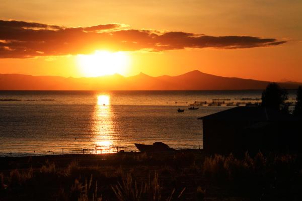 sunset on Lago Titicaca