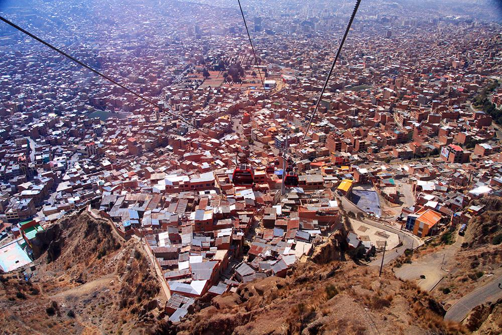 Going down in La Paz on Mi Teleferico