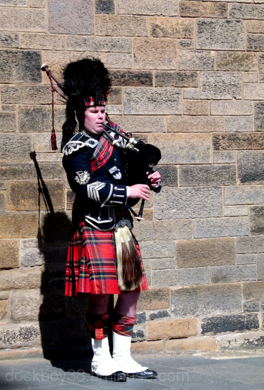 Pipers Here !.