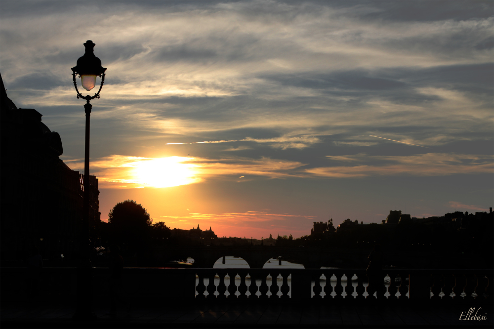 PARIS, UN SOIR