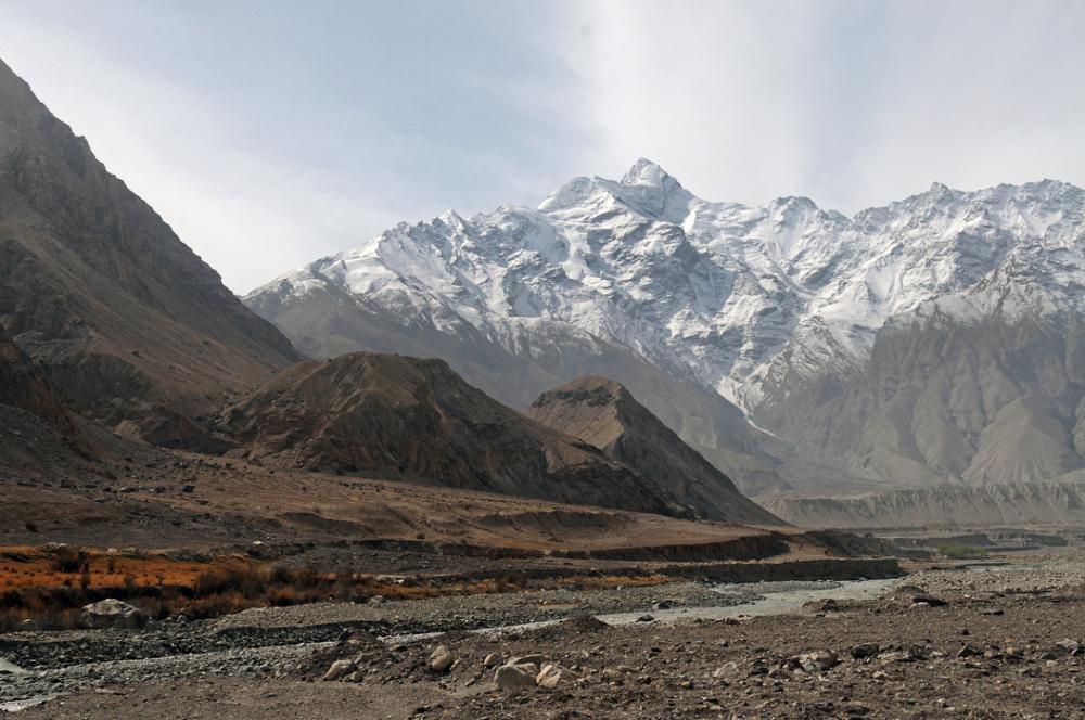 Mt Kunger - along Himalayan Range