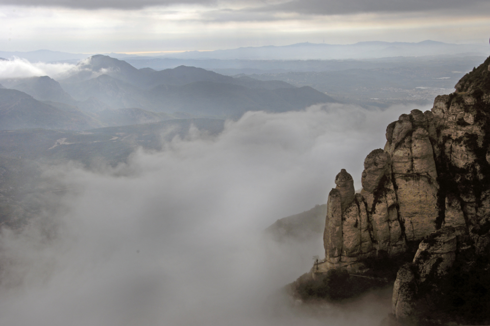 Montserrat - Sea of Clouds