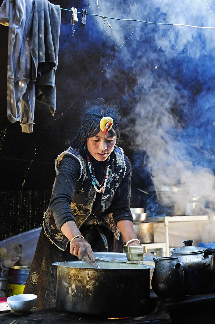 Cooking in a Tibetan Tent