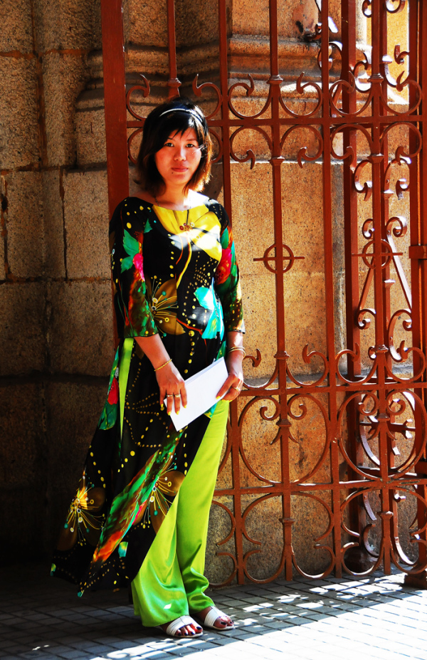 Vietnamese Lady in Ao-Dai