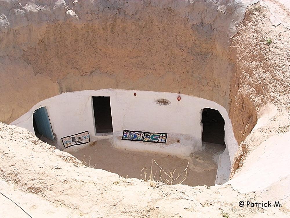 Habitation troglodyte dans le désert de Matmata