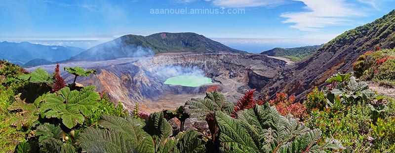 Poas volcano aaanouel costa rica 3667252-800900961