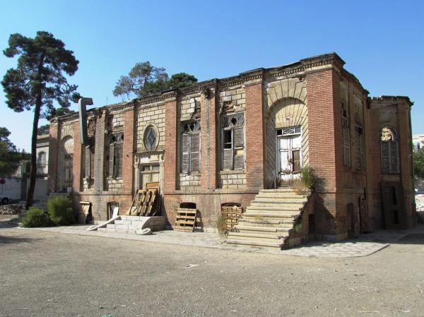 خانه ظهیرالاسلام بهار 1391