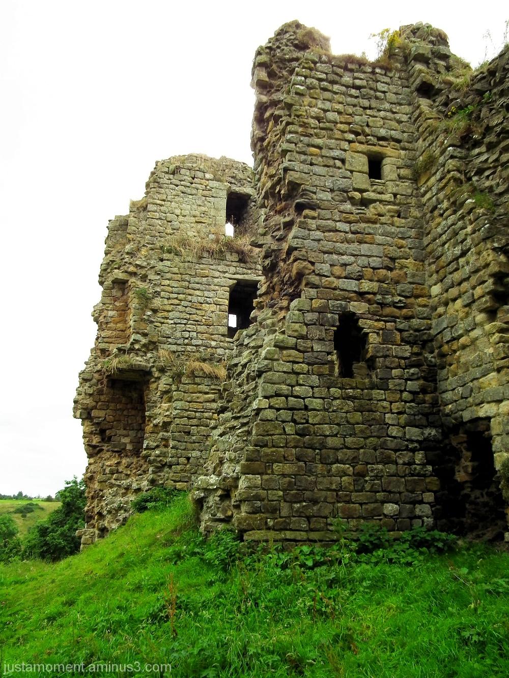 thirwall castle northumberland
