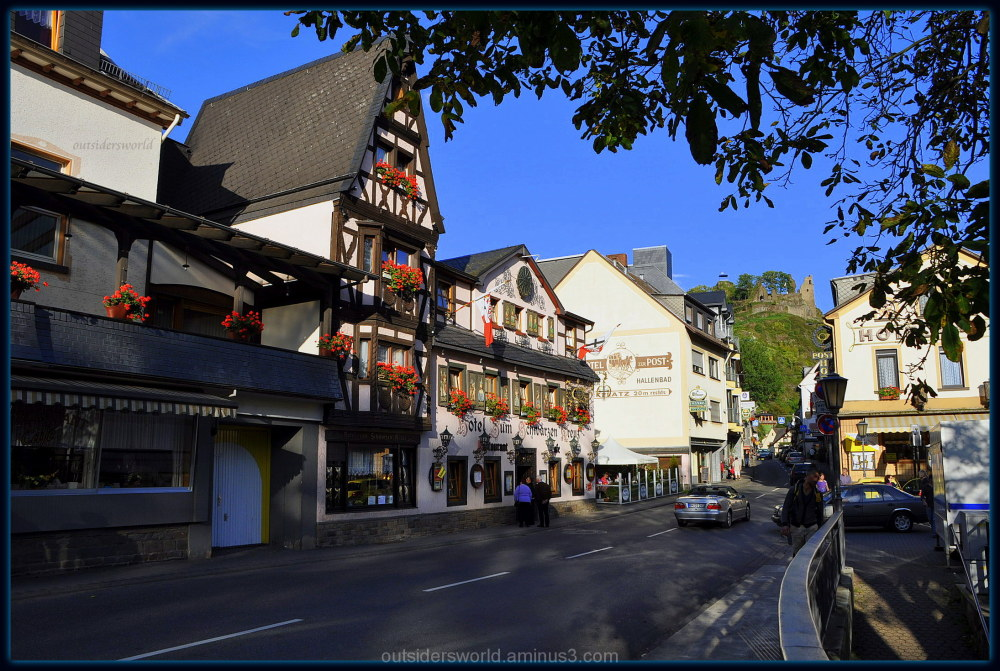 """Hotel """"Zum schwarzen Kreuz"""" and ruins Burg Are...."""
