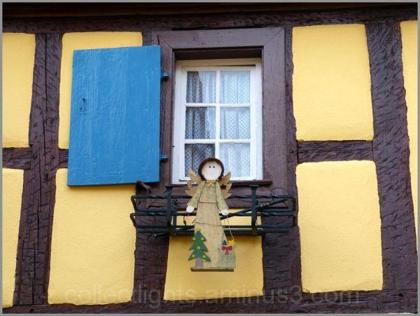 Un concours de fenêtres décorées 2/...