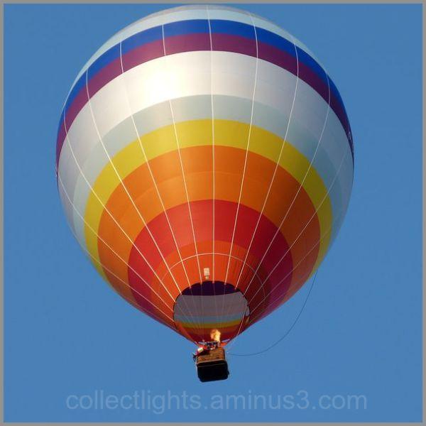 Evasion en ballon arc en ciel