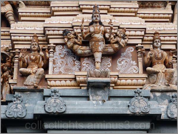 Le temple de Muthumariamman à Matalé  3/...
