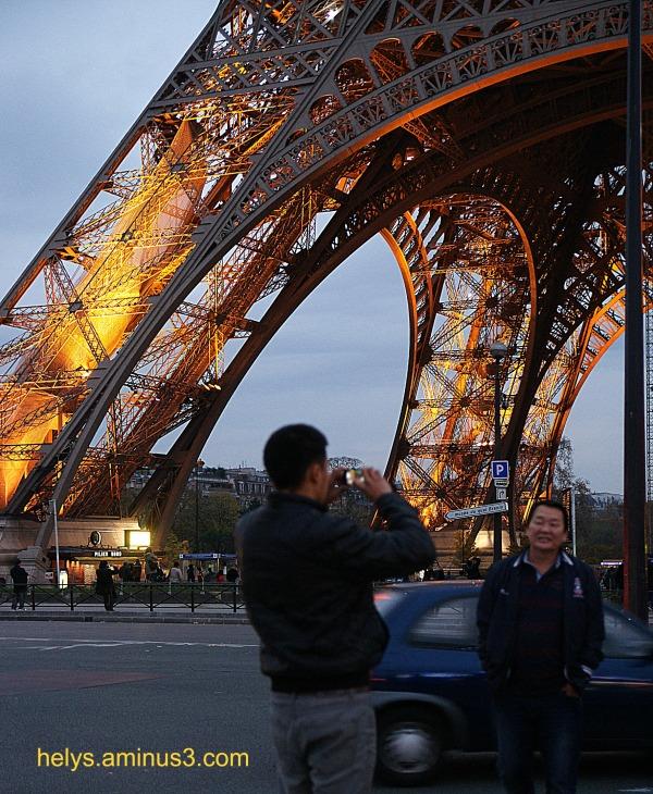 Eiffel tower4