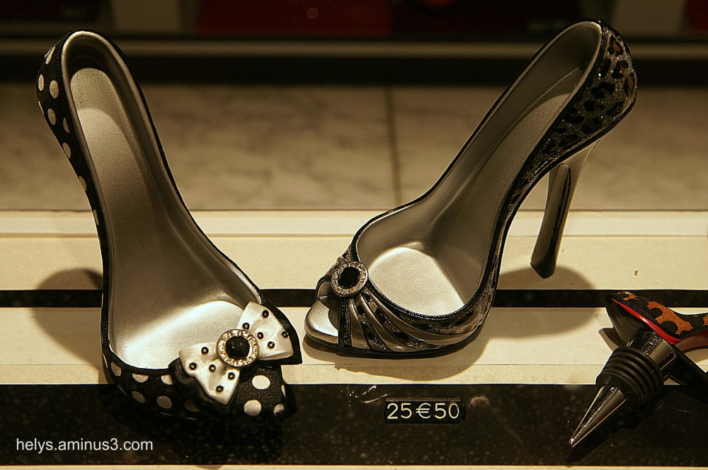 Set: shoes with heel