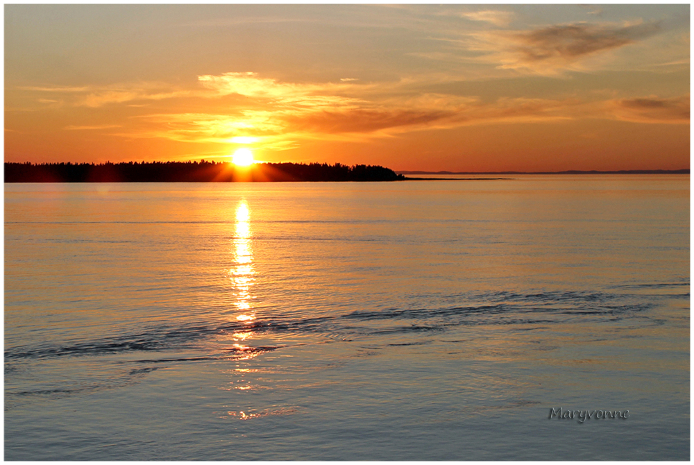 soleil fleuve soir île