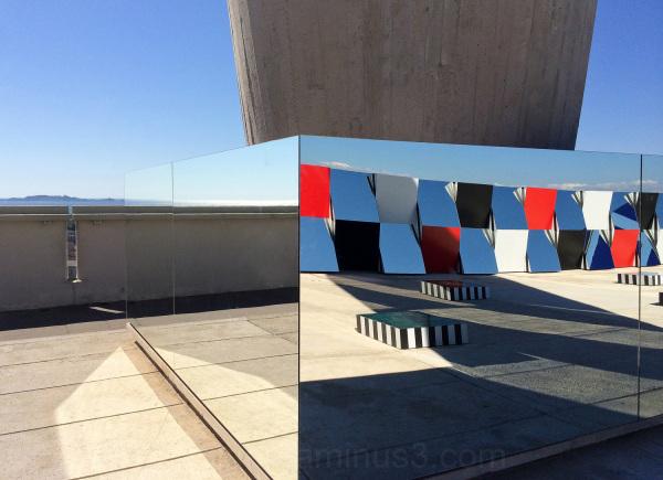Expo Buren sur Le Corbusier