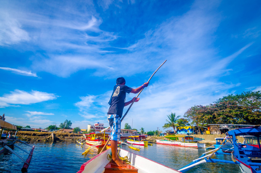 Boatman of Hundred Islands Alaminos Pangasinan